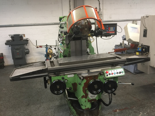 Huron NU3 Universal Ram Type Milling Machine S/N 14591 Newall DP7 3 Axis D.R.O. Table Size 1235 x
