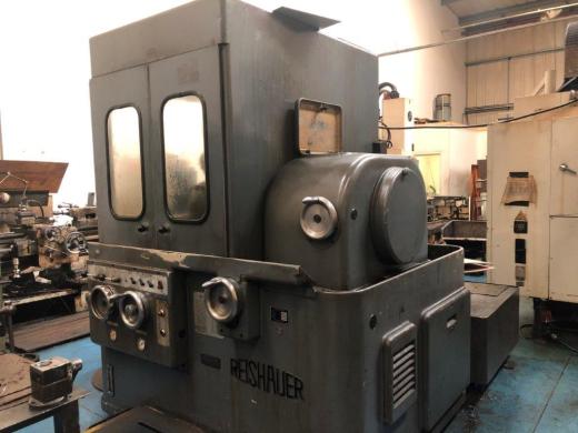 Reischauer NZA Gear Grinder Serial No. Z2-475-7. YOM 1970 Max wheel diameter: 300 mm Gear width: