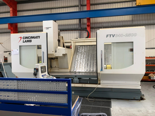 Cincinnati Lamb model FTV 640-2500 Vertical Bed type machining centre, complete with a 4th axis.