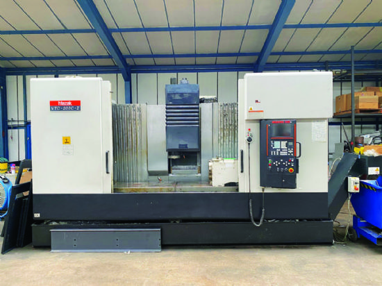 With 4th axis,  spindle taper DIN40,  Mazatrol 640M control,  max workpiece weight 1,200kg,  spi