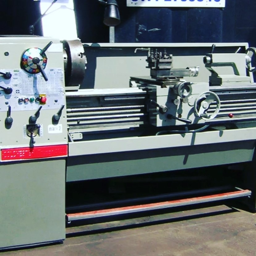 COLCHESTER TRIUMPH 2000  gap bed centre lathe  