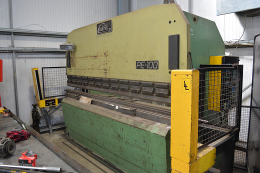 GUIFIL 3000mm x 100TON HYDRAULIC UPSTROKE PRESS BRAKE COMPLETE WITH FULL LENGTH TOP SEGMENTED TOOLIN