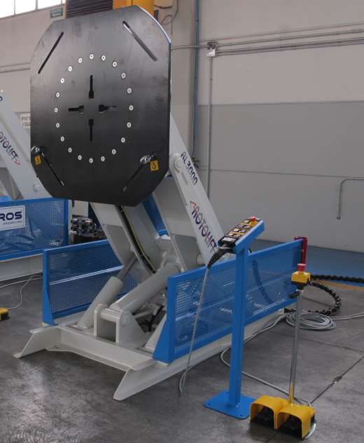 3 Axis Welding Positioner . Giving ergonomic welding positions by way of Rotation, Tilt and Elevatio