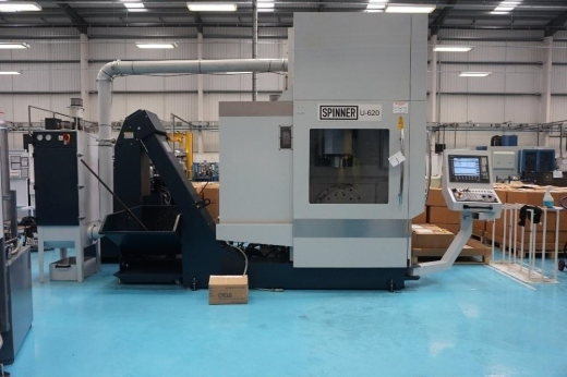 Spinner Type U5-620 5-Axis Vertical Machining Centre