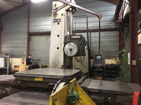 CNC : HEIDENHAIN TNC 355  Equipped with :  Manual universal milling head Facing head Spindle e